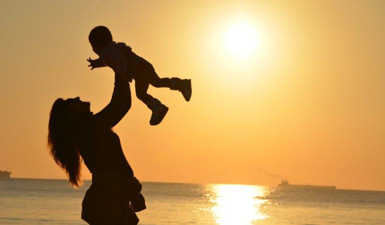 Découvre ton point fort de maman en fonction de ton mois de naissance !